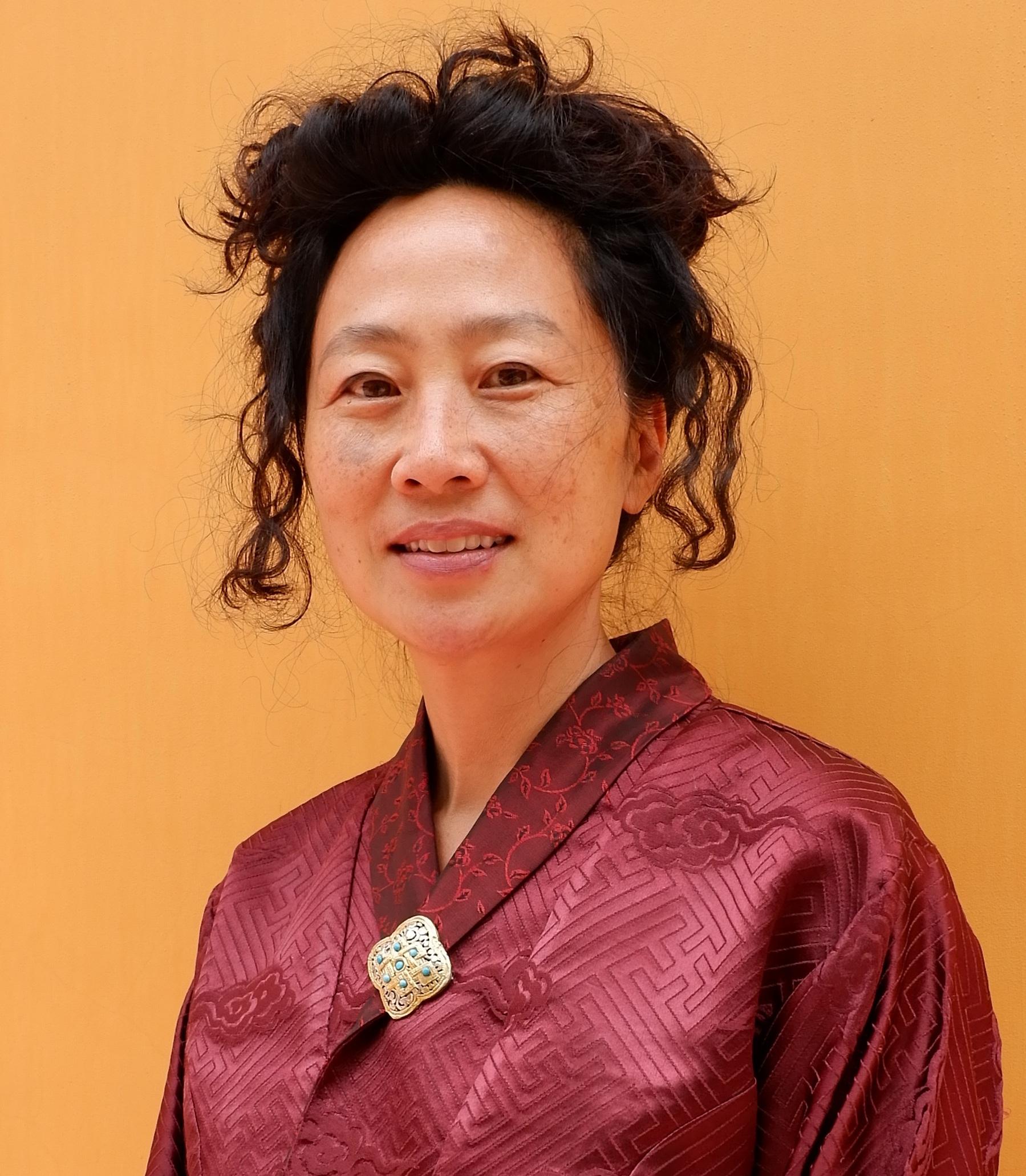 Dr Julia Kim